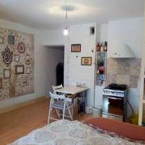 В продаже квартира-студия на восьмом эт. свежий ремонт, в Новосибирске
