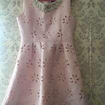 Платье размер L, в Астрахани
