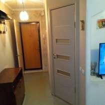 Продаю трехкомнатную квартиру в 18 квартале, в Улан-Удэ