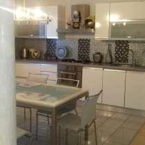 Продам 2-х уровневую квартиру в самом центре Луганска, в г.Луганск