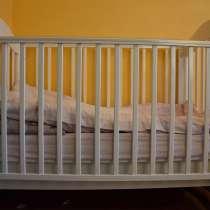 Детская кроватка с маятником/на колесиках, в Санкт-Петербурге