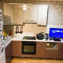 Уютная квартира-студия с ремонтом и с мебелью, в Челябинске