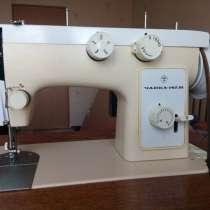 Швейная машинка с электрическим приводом, в г.Кременчуг