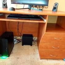 Компьютерный стол, в г.Нарва