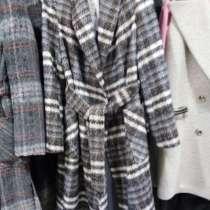 Продается пальто, жилет, в Санкт-Петербурге