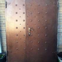 Продаётся стальная дверь на парадный вход, в Краснодаре