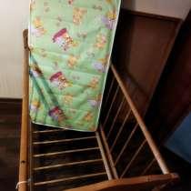 Продаю детский кровать с матрасом, в Москве