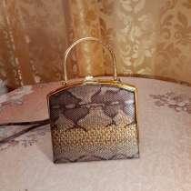 Итальянская сумочка из змеиной кожи, в Санкт-Петербурге