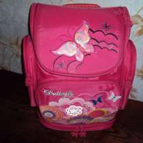Продам школьный рюкзак, в Барнауле