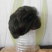 Продам парик из искусственных волос, стрижка, цвет - шатен, в Владимире