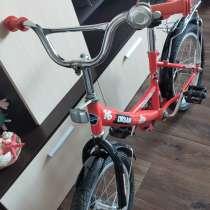 Продается велосипед 4х калестный (колеса снимаются) цена 25, в Саратове