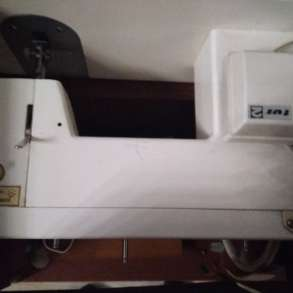 Швейная ножная машинка имеется электрический привод, в Челябинске