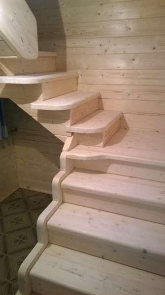 Изготовленные лестниц по индивидуальному заказу в