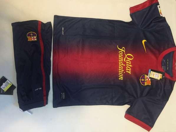 Новая футбольная форма Барселоны
