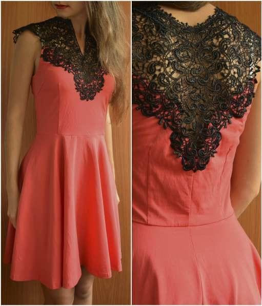 Вискозное платье от AX Paris