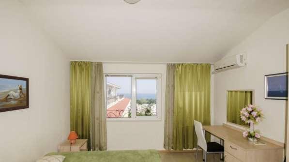 Квартира в новом доме с видом на море в фото 11