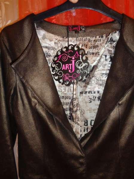 Пиджак под кожу р 44-46 в Гатчине