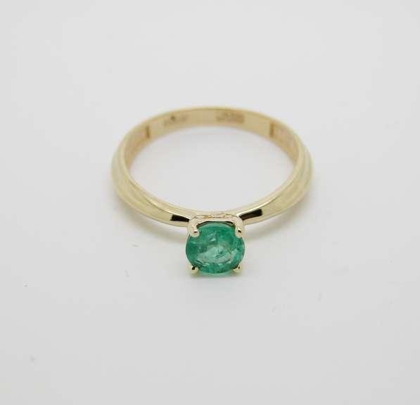 Золотое кольцо с круглым Изумрудом в Москве фото 3