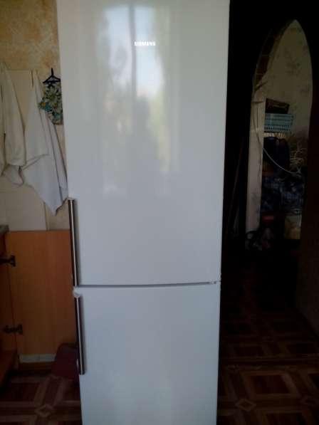Двухкамерный холодильник