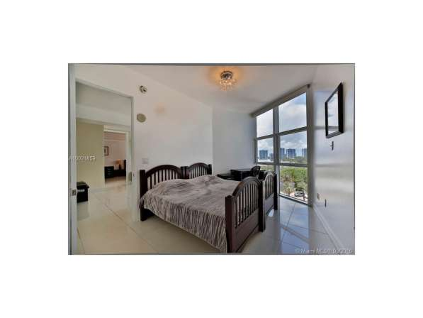 Апартамент с видом на океан в Санни-Айлс-Бич в фото 6