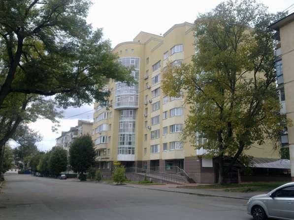 Продам трехкомнатную квартиру в элитном доме