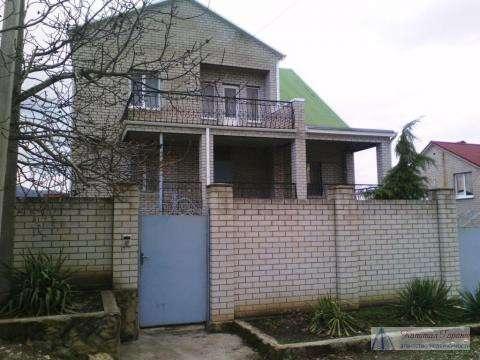 Продам двухэтажный добротный дом 260 кв.м. в Новороссийске