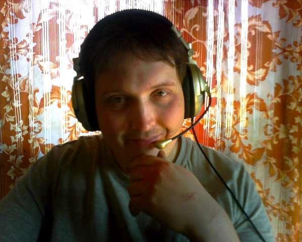 Алексей, 25 лет, хочет пообщаться в Санкт-Петербурге