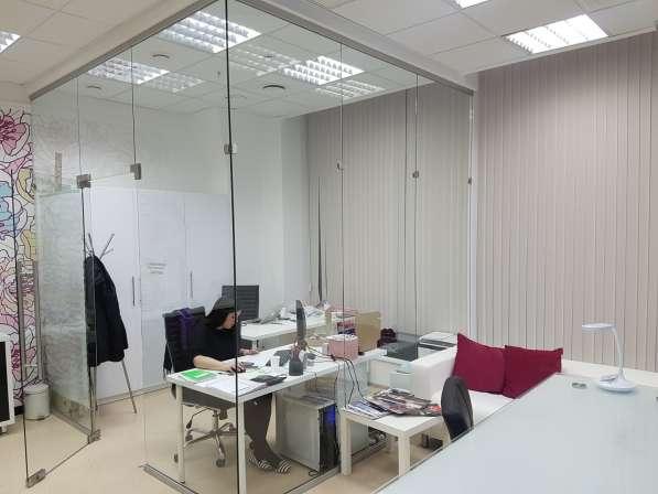 Стеклянные перегородки офисные, мобильная перегородка в Екатеринбурге
