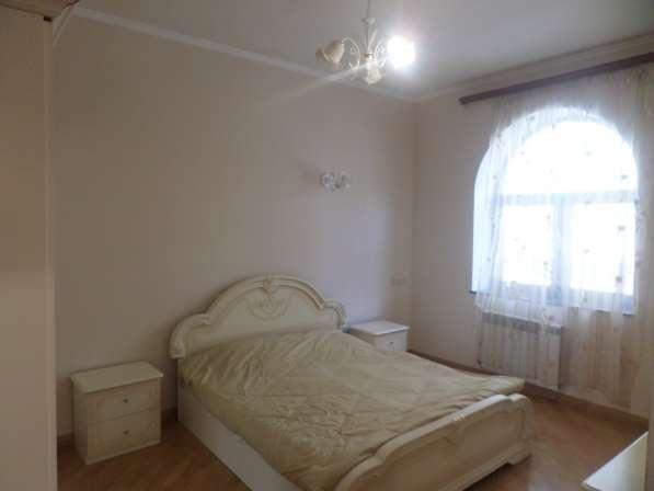 Арабкир, красивый дом, бассейн, 3 спальни в фото 9