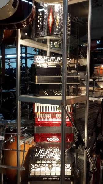 Гитары, синтезаторы световое и звуковое оборудование в Москве фото 8
