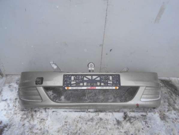 Передний бампер на Renault Logan 2010г