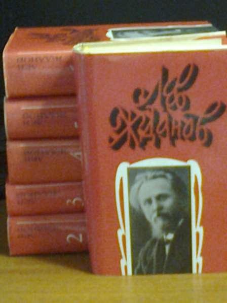 Блистательные романы Жданова