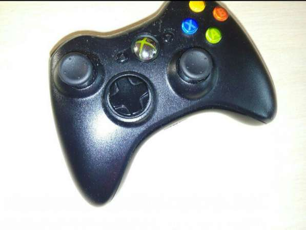 Xbox 360 (kinekt+консоль+геймад+3 игрв)