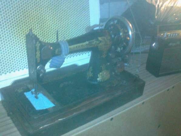Продаю швейную машину