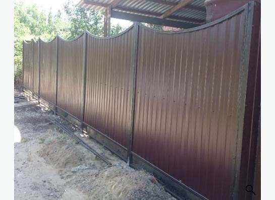 Заборы из профнастила, сетки Рабица, решетчатые. в Краснодаре фото 3