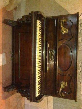 Немецкое антикварное пианино