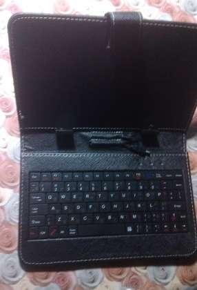 Чехол-клавиатура для планшета 7