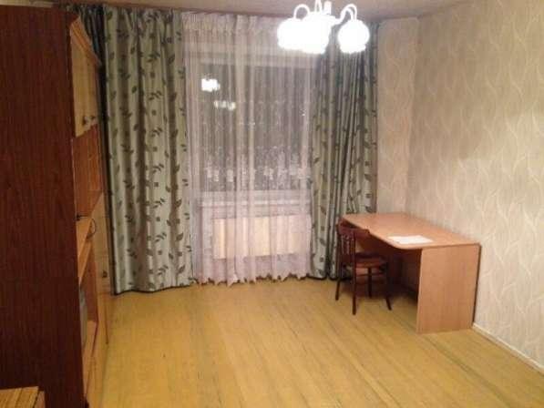 Сдаю 2 комнатную полностью меблированную квартиру