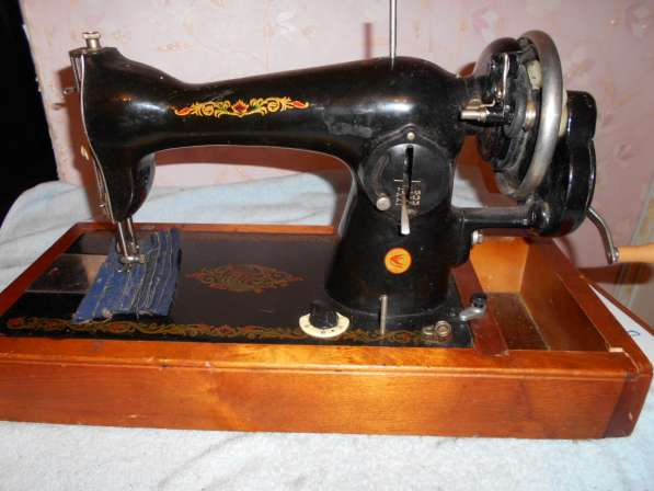 Продам раритетные швейные машинки (см. фото) Все исправны в Тобольске фото 3
