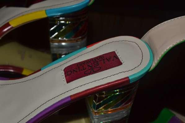 Босоножки Valentino, цвет: разноцветная полоска в фото 5