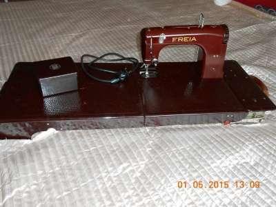 швейную машину FREIA