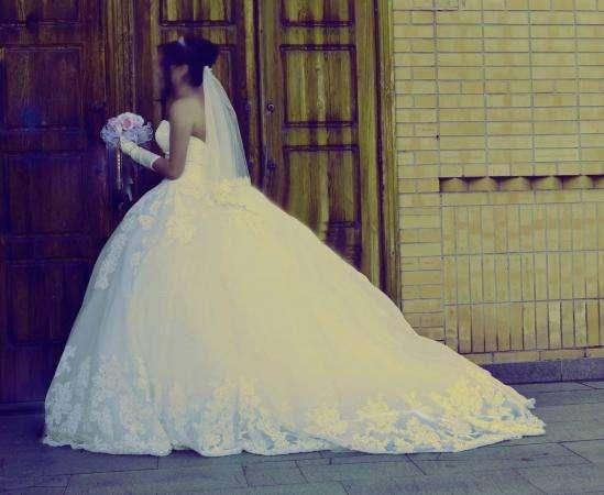 Свадебное платье -цвет айвори размер 42-44 - 70 000т