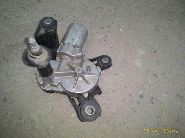Мотор заднего дворника Opel Astra H