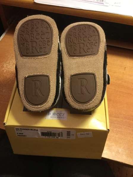 Новые кожаные robeez кроссовки 12-18 мес в коробке в Саратове