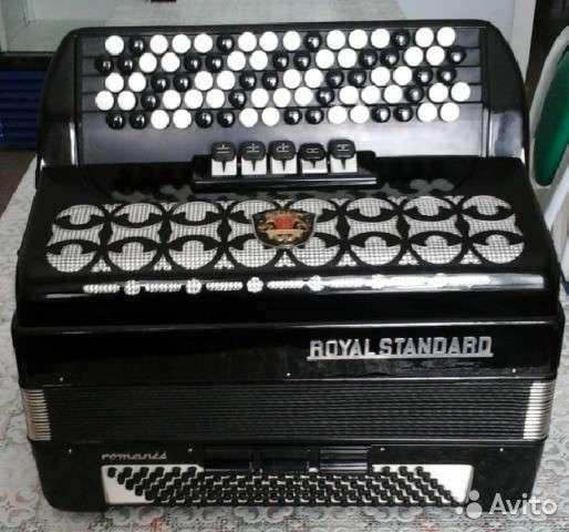Продам многотембровый баян RoyL standard