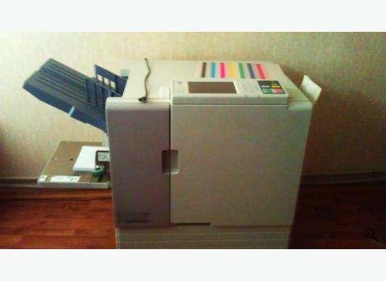 высокоскоростной полноцветный принтер RISO ComColor 7010