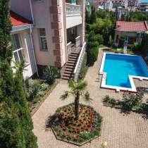 Дом с бассейном 418 м2, вид на море, под ключ, в Севастополе