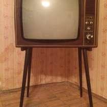 Телевизор на ножках из СССР. Рекорд 335, в г.Москва