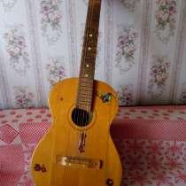 Гитара семиструнная с чехлом, в Волжский