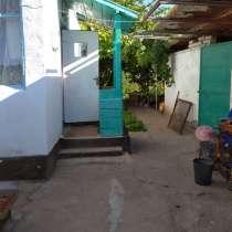 Продаю пол. дома на берегу Иссык-Куля, в г.Бишкек